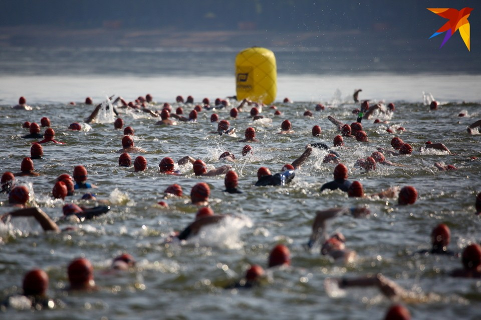 Тысяча спортсменов приняли участие в соревнованиях по триатлону Alfa-Bank Minsk Triathlon 2019