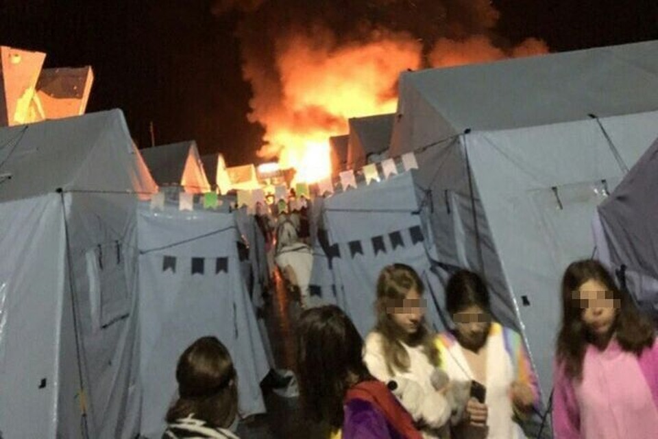 Пожар вспыхнул в третьем часу ночи. Фото: соцсети.