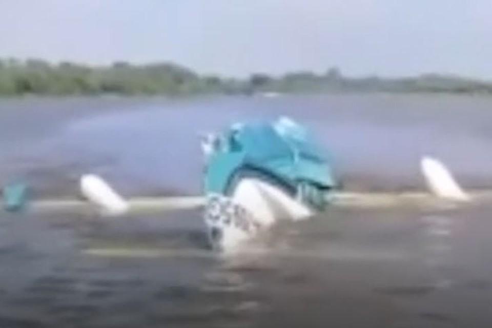 На борту находились два человека, оба погибли
