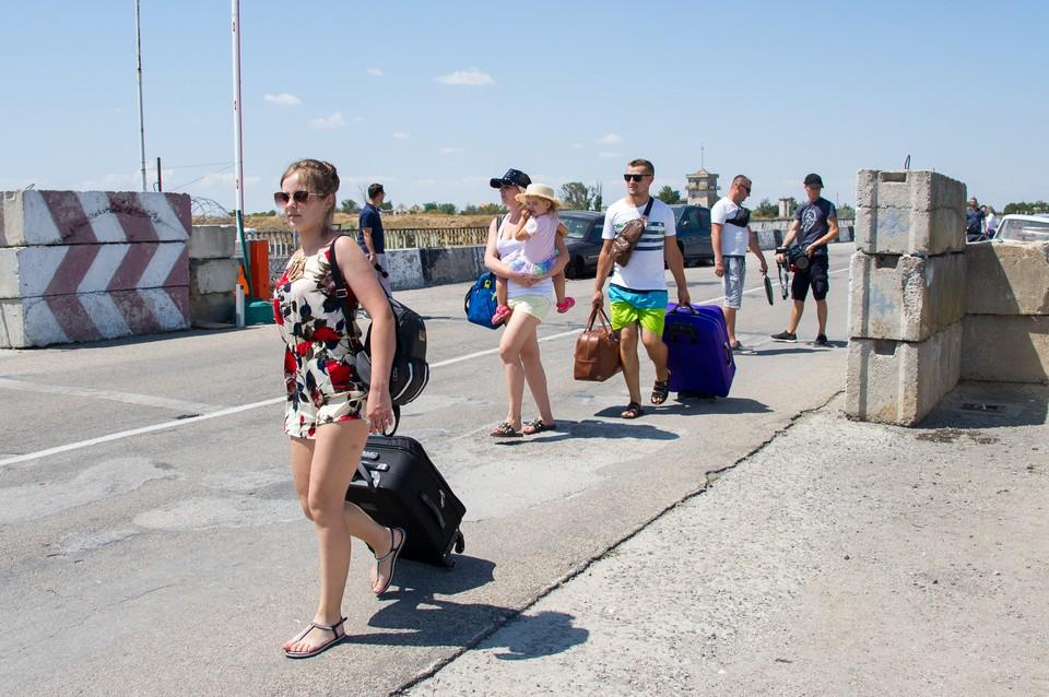 Летом в Крым устремляется все больше и больше украинцев