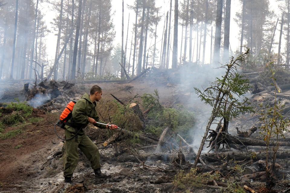 Иркутская область. Тушение лесных пожаров силами добровольцев.