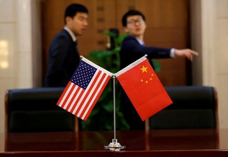 """Пекин заявил, что Вашингтон """"будет нести ответственность"""" за эскалацию торговых войн."""