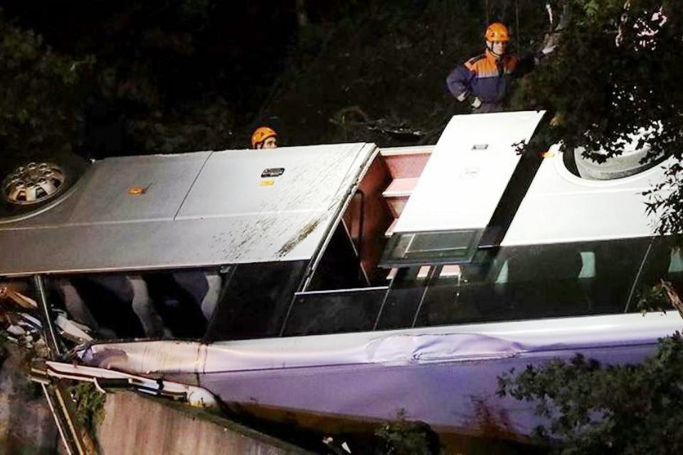 В день аварии, по предварительным данным, автобус вел заказную перевозку.