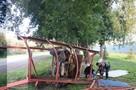 Водитель снес остановку с беременной женщиной в Кемерове
