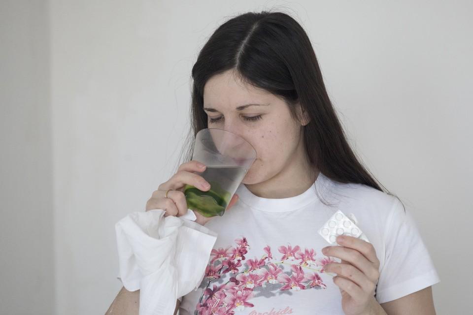 Люди сами «назначают» себе антибиотики, даже не задумываясь, что причиной насморка может стать аллергия.