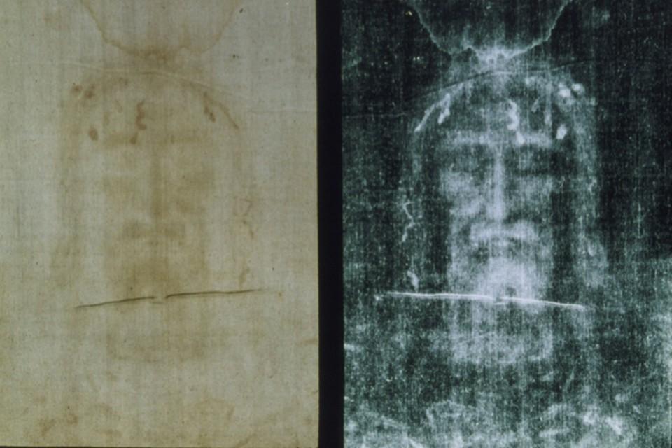 Может статься, на плащанице отпечатался сам Иисус Христос.
