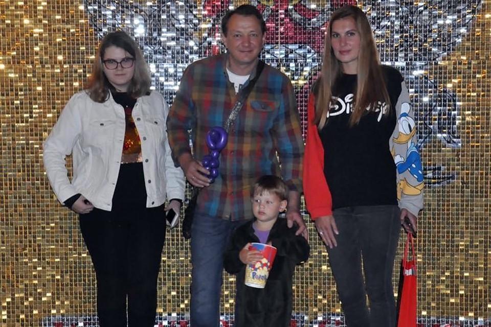 Марат Башаров с дочкой Амели, экс-женой Лизой и их сыном Марселем