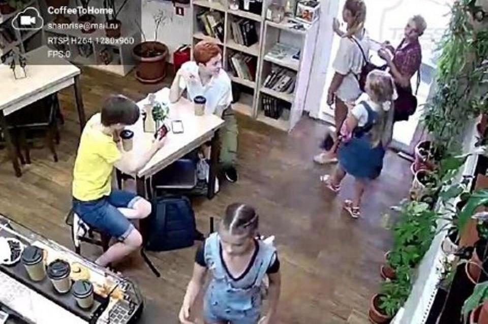 Момент кражи бокса с пожертвованиями попал в объектив камеры видеонаблюдения