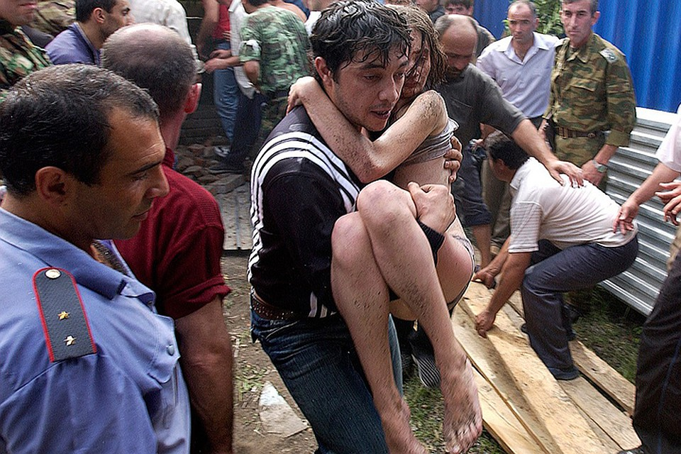 1 сентября 2004 года террористы захватили школу №1 города Беслана