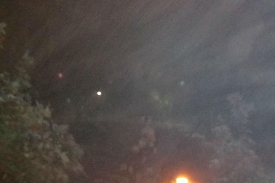 Этой ночью Мурмаши окутало густое молоко тумана. Фото: vk.com/murmashi_official