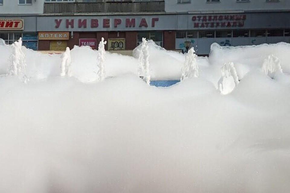 Нижегородские фонтаны утопают в пене