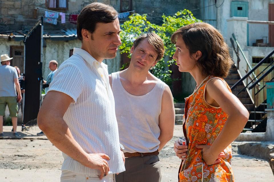 На жизнь в СССР то, что показано в фильме, не похоже никак