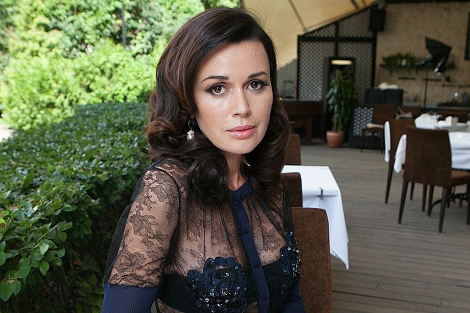 Концертный директор актрисы уверяет, что с Заворотнюк все в порядке. Но её саму давно никто не видел.