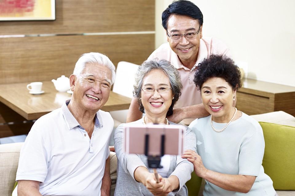Лидером по колличеству возрастных граждан является Япония - в стране Восходящего солнца к этой возрастной категории принадлежит каждый четвертый