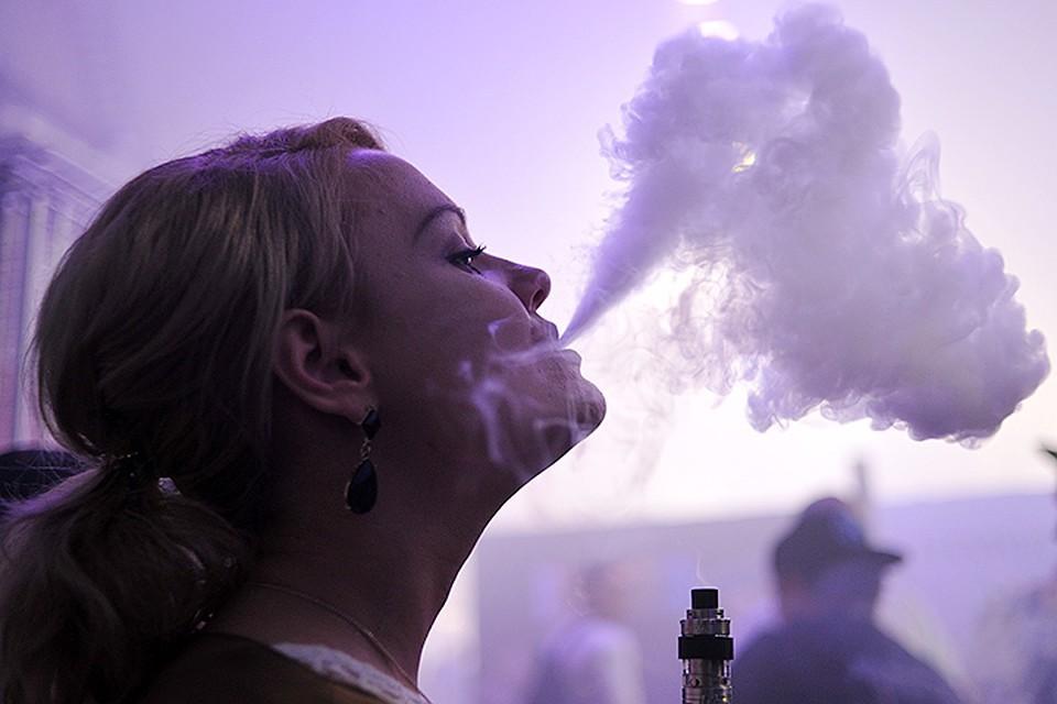 Вейперами называют курильщиков электронных сигарет