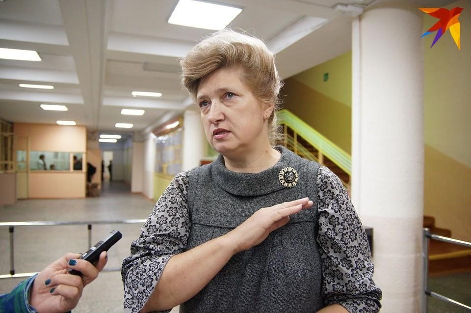 Людмила Ивановна уже снова в школе.