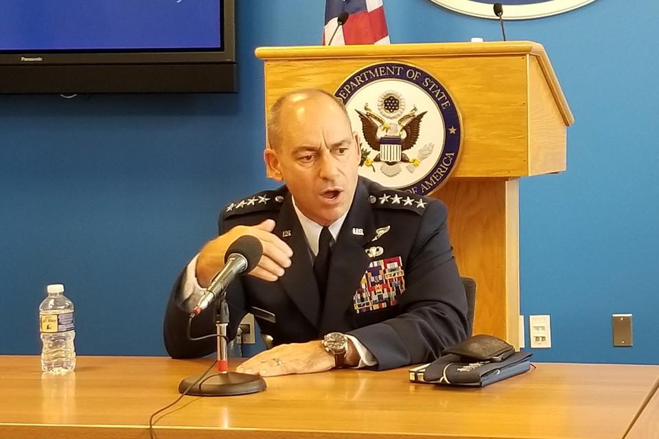 Командующий силами ВВС США в Европе и Африке генерал Джеффри Харриган.