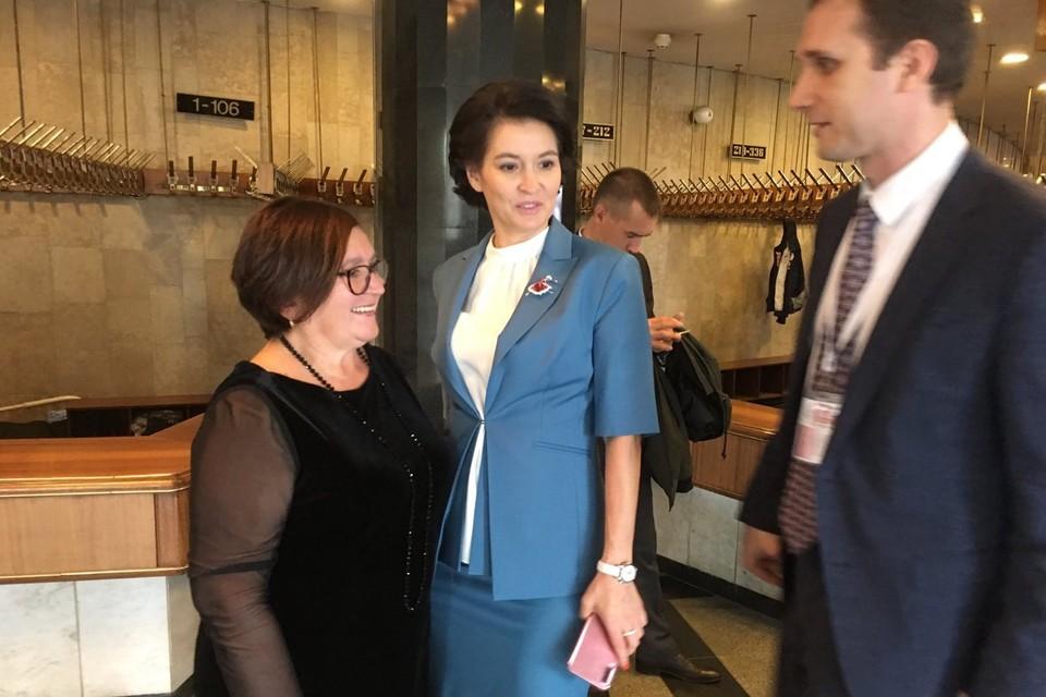 Союз женщин и председатель правления Наталья Баскова поздравила Маргариту Павлову с назначением на должность сенатора от Челябинской области