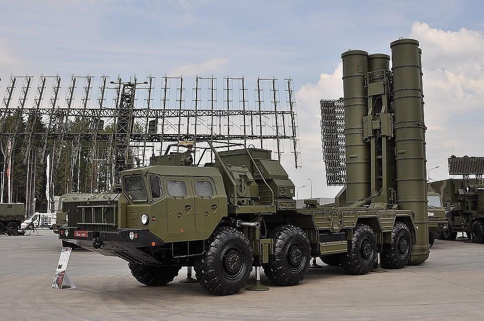 В Калининградской области несут службу не менее двух полков С-400