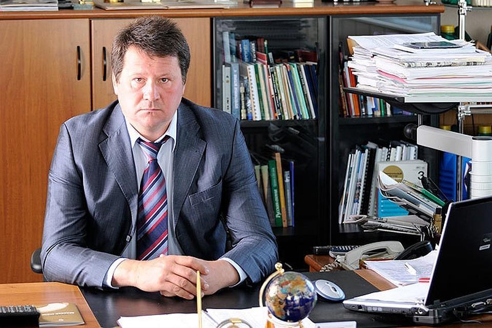 Владимир Фомин долго работал в нефтяной отрасли