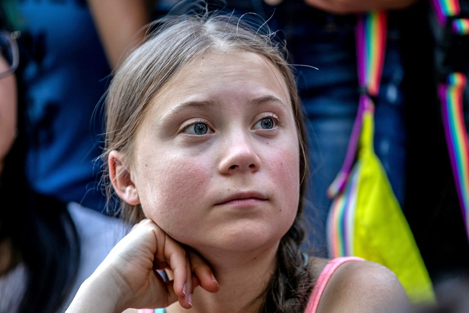 16-летняя Грета Тунберг - активистка зеленых и пламенный борец за экологию