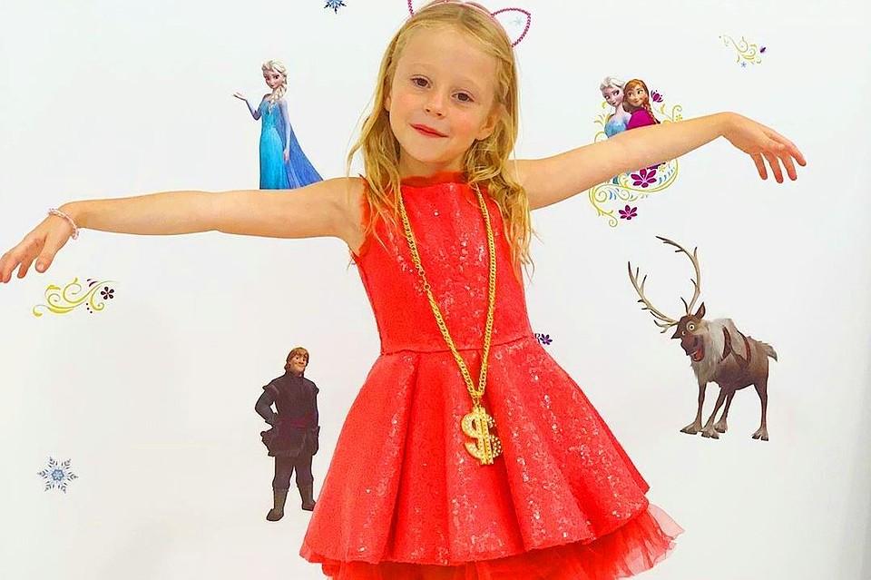От распаковки игрушек к путешествиям по миру: 5-летняя уроженка Краснодарского края зарабатывает миллионы на Youtube