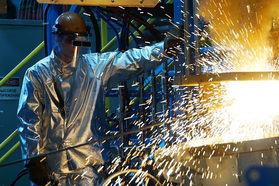 Нынешний спад в новых заказах на производствах — антирекорд за десятилетие. Численность рабочих мест на заводах сокращается