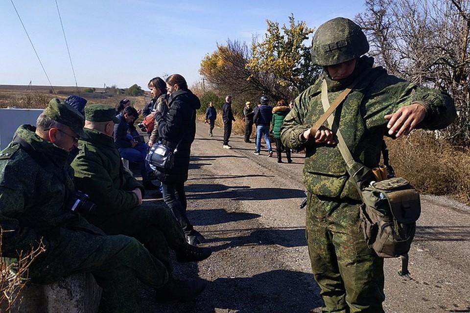9 октября представители ДНР в СЦКК и журналисты после нескольких часов томительного ожидания так и не увидели белую ракету со стороны Украины