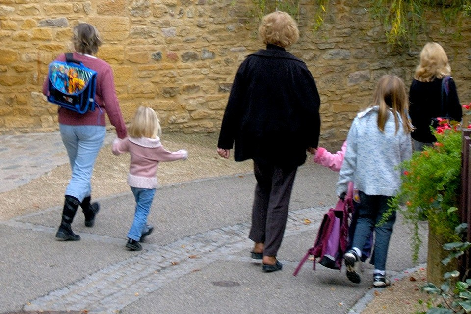 Логика канадских надзорных органов проста: если ты отпускаешь маленького ребенка одного, значит ты его недостаточно любишь.
