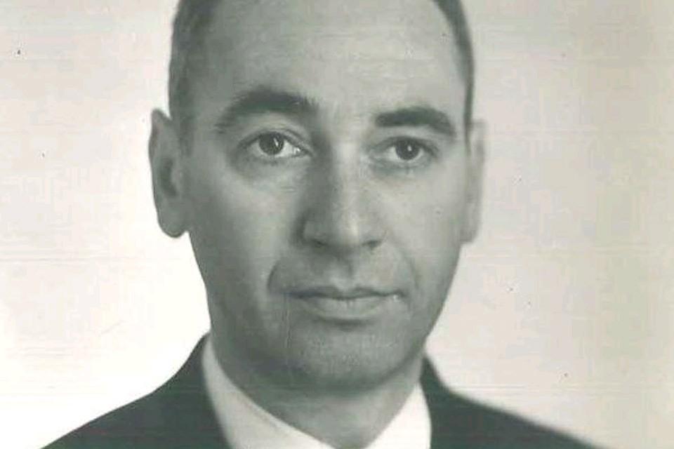 Александр Миндлин