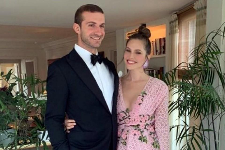 38-летняя Даша Жукова и ее 34-летний возлюбленный Ставрос Ниархос официально стали мужем и женой