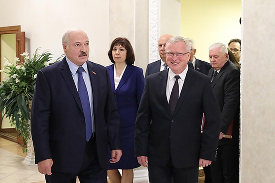 Президент посетил Академию управления. Фото: president.gov.by