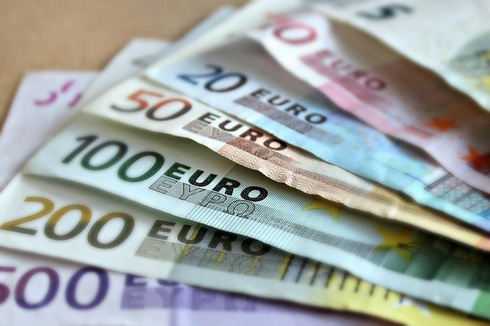 Взятки составляли 500 - 15 000 евро, в зависимости от суммы лоббируемого контракта. Фото: pixabay.com.