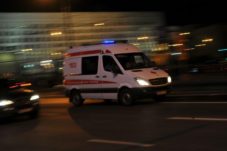 Умиравшую женщину увезла в больницу только вторая скорая.