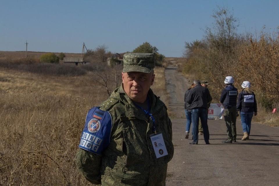 На месте разведения в селе Петровское будут находиться сотрудники специальной мониторинговой миссии ОБСЕ и представительства ДНР в СЦКК.