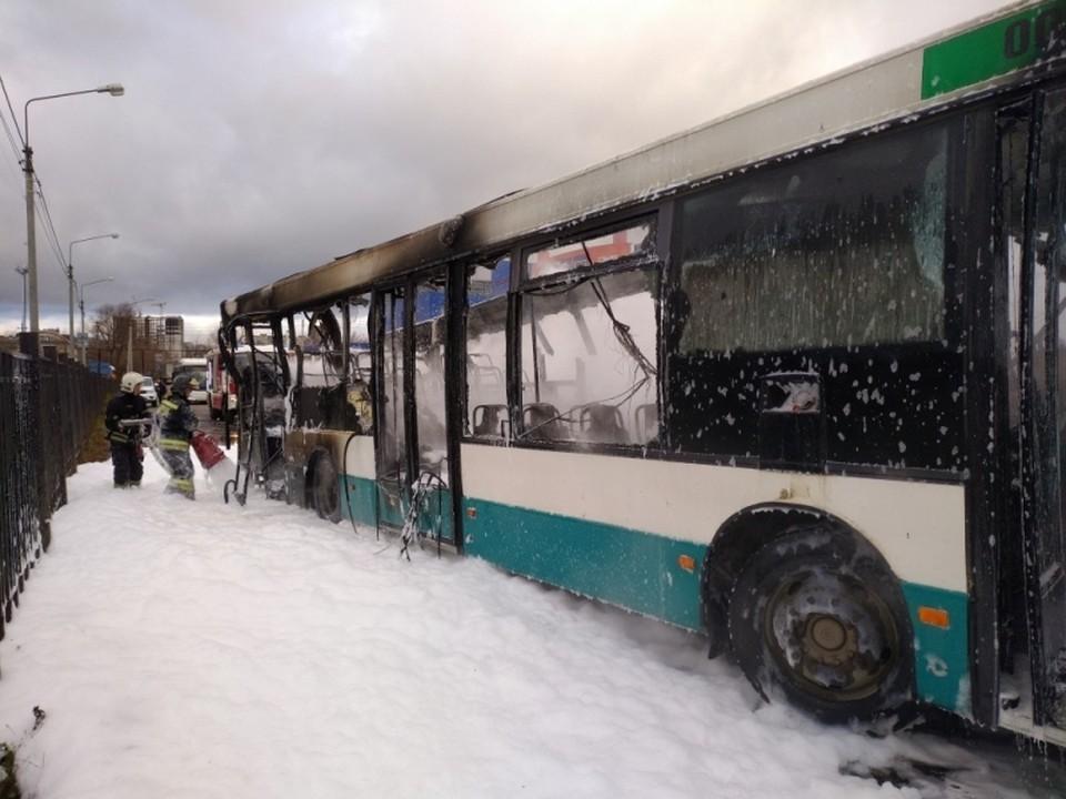 Автобус маршрута №14 загорелся 7 ноября