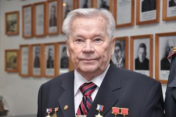 Какой вклад внес Шмайсер в создание автомата АК-47