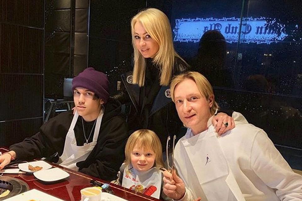 Телеканал «Супер» запустил реалити про семью Яны Рудковской «ЯнаСупер»