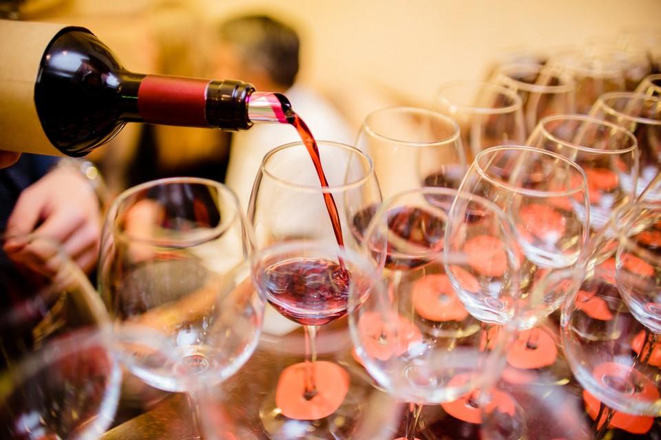 Существует много «народных» способов определения качества вина
