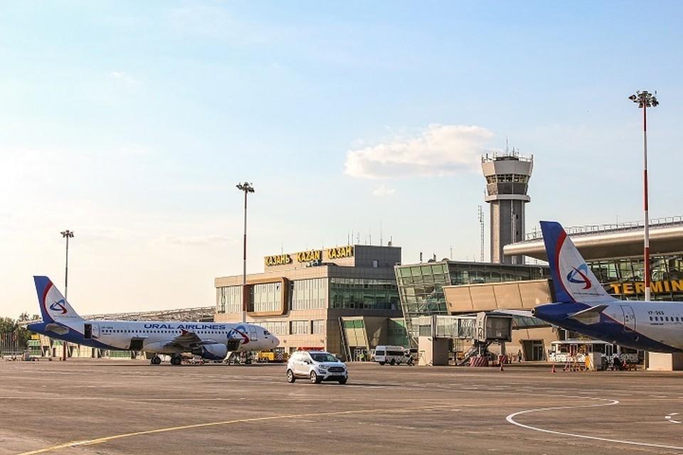 Самолет экстренно приземлился в Казани