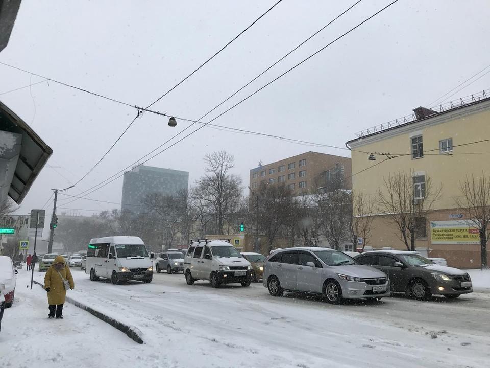 После выпадения осадков ожидается понижение температурного фона - на дорогах образуется гололедица