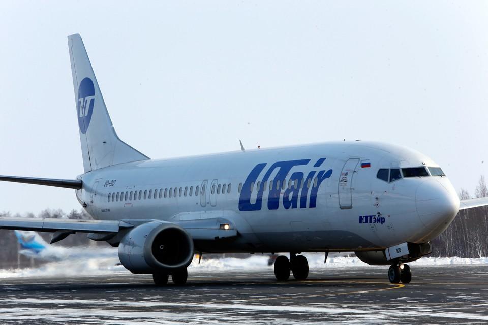 Самолёт авиакомпании Utair благополучно приземлился с неисправной пневматикой левой стойки шасси