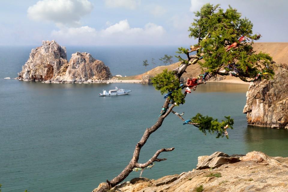 Большая часть территории острова управляется национальным парком