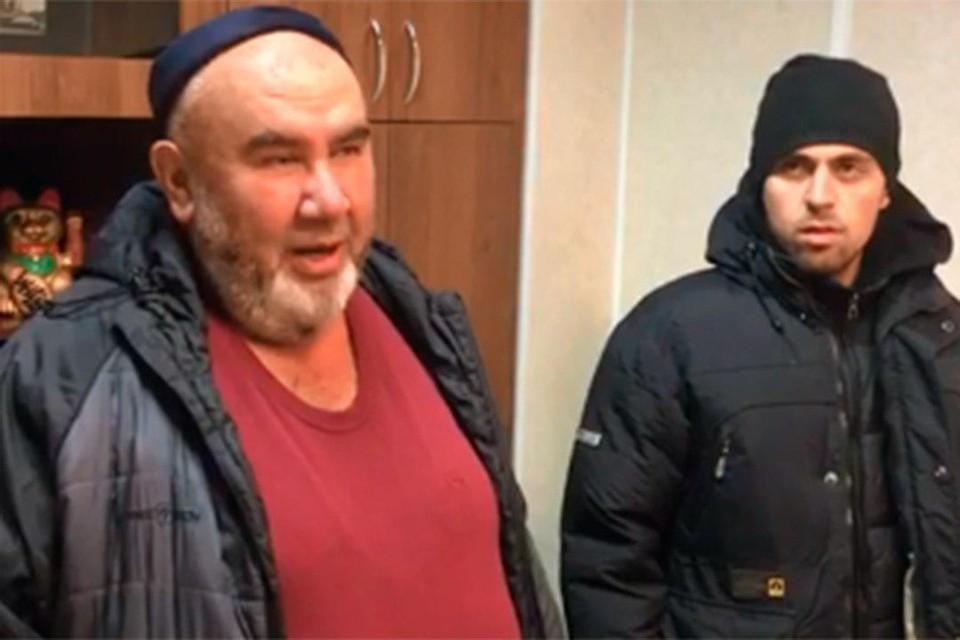 Владельца торговой точки, где нахамили петербурженке, заставили извиниться на камеру. Фото: vk.com/kapitanovspb