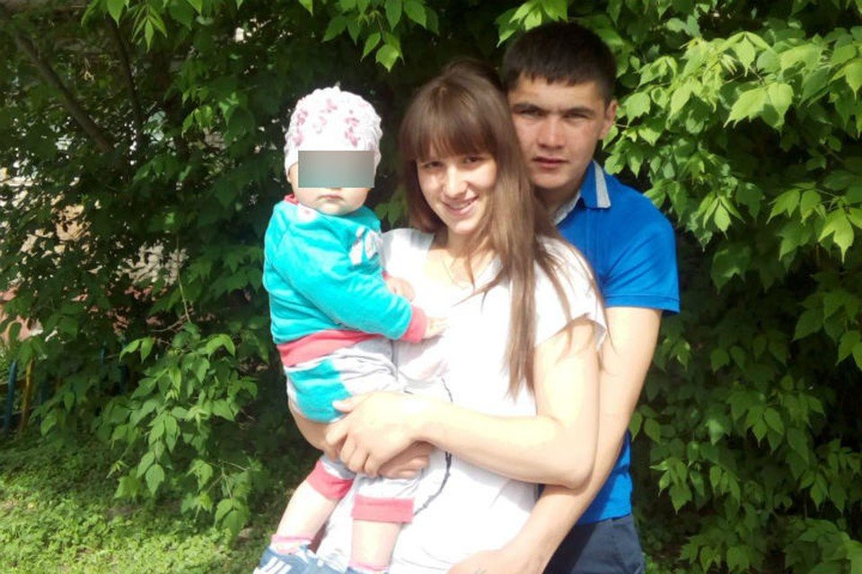 Ирина Болотова, ее муж Владимир Воробьев с младшим ребенком. Фото: соцсети