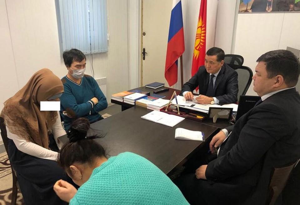 Представители МВД Кыргызстана в России провели с девушкой и ее родителями профилактическую беседу.