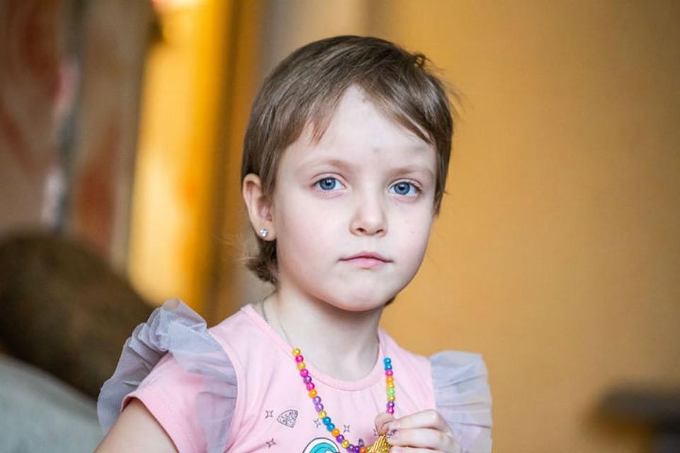 После падения из окна 6-летнюю девочку из Иркутска спасет уникальный протез. Фото: Антон КЛИМОВ, сайт Русфонда.