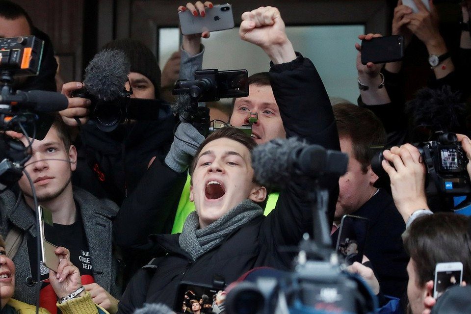 Егор Жуков по факту уже стал идеальной оппозиционной иконой.