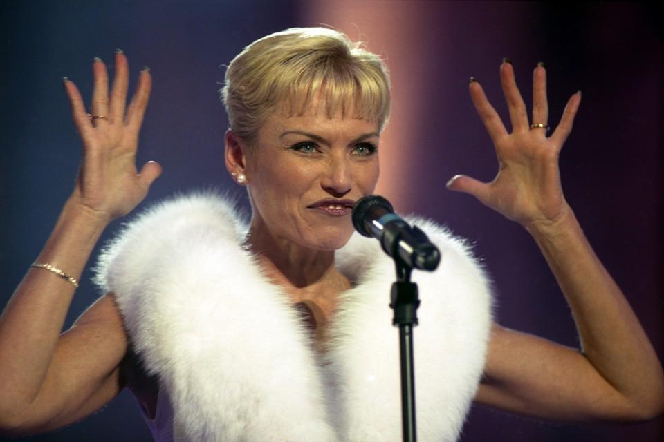 Одна из самых эффектных певиц советской эстрады внезапно перестала давать концерты и выходить в свет