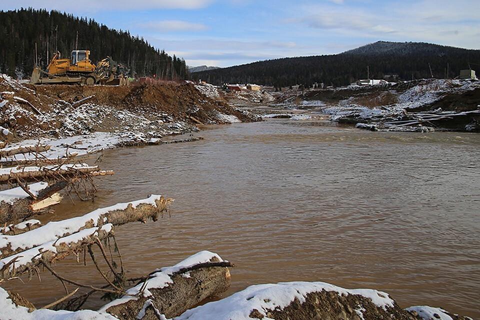 Золотодобывающая компания загрязнила две реки в Красноярском крае и должна возместить 363,5 миллиона рублей